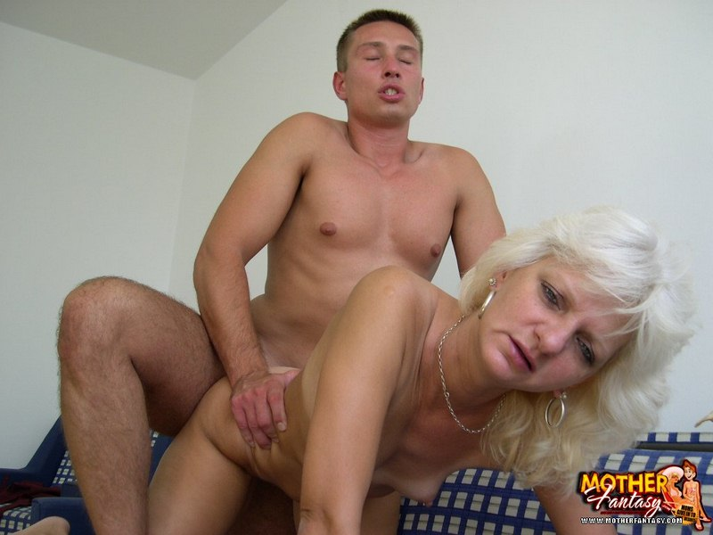 Lesbian squirting free clips